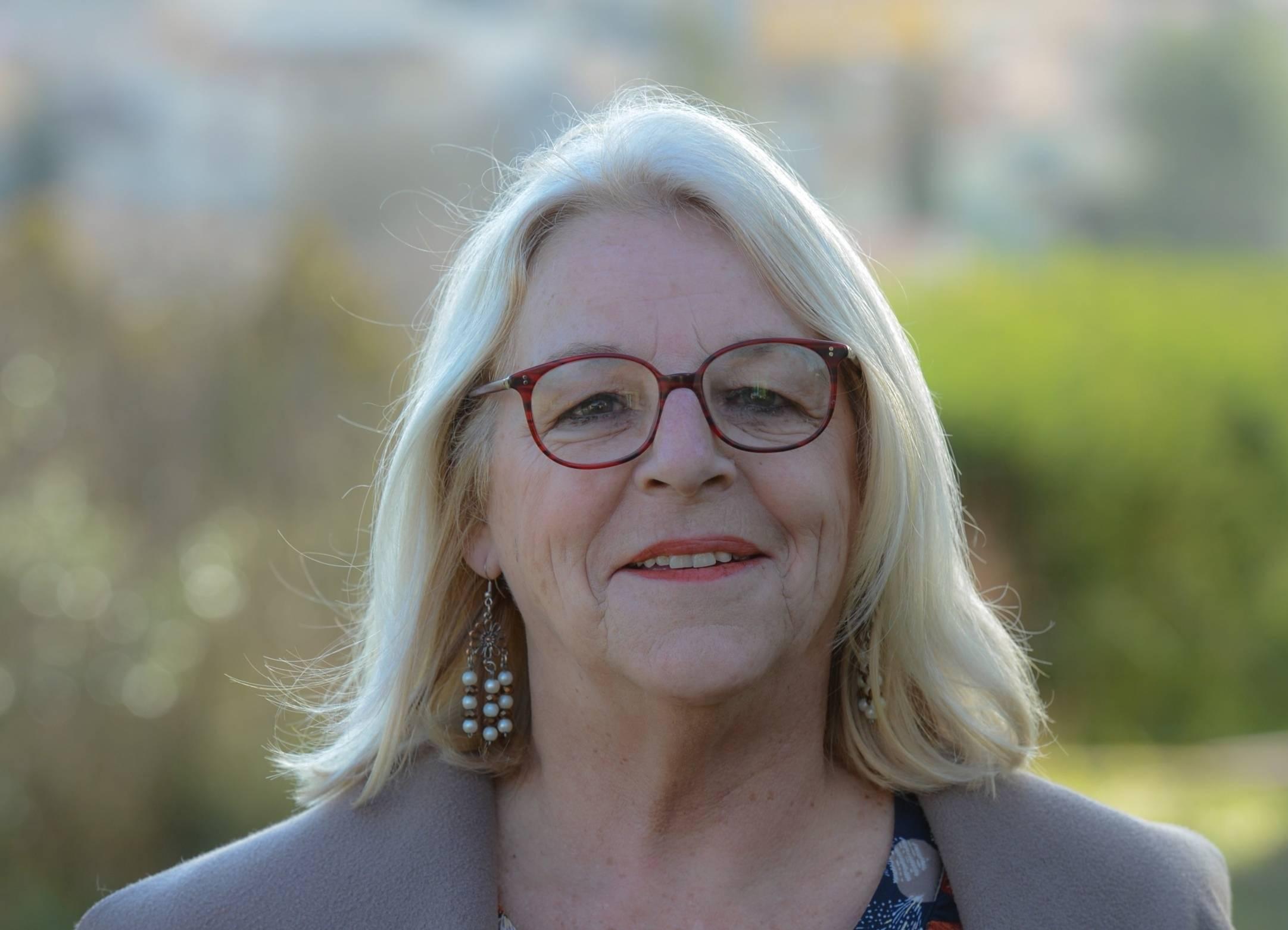 Martine Yobé